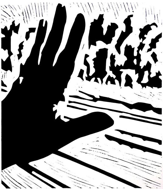 Hand am Zugfenster